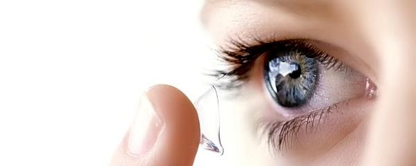 Как надевать контактные линзы в первый раз