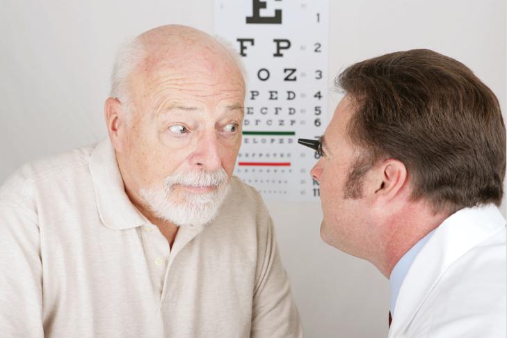 Одна из причин катаракты - возраст
