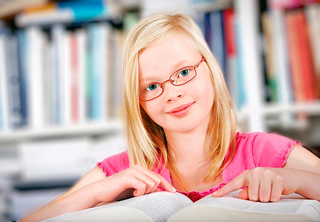 Близорукость у детей школьного возраста: причины и лечение