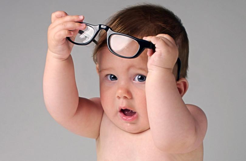 Ни одна таблица не поможет проверить зрение грудничка