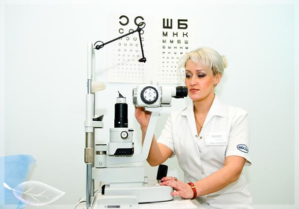 Перед покупкой контактных линз нужно проконсультироваться с врачом