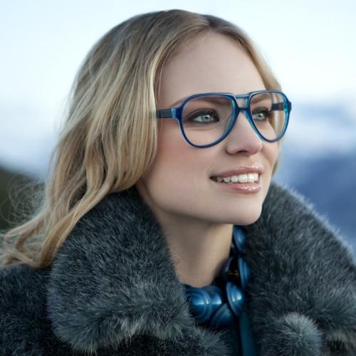 В настоящее время очки стали стильным аксессуаром