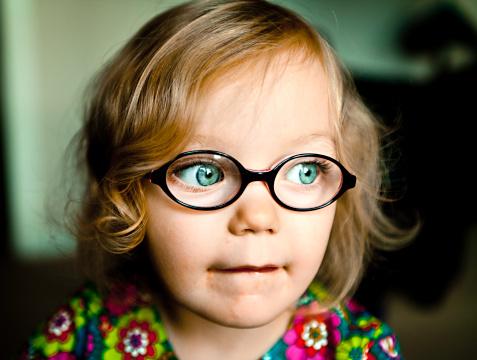 Детские очки для зрения должны быть комфортными и безопасными