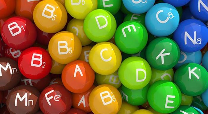 Для обеспечения глаз нужными компонентами желательно применять витаминные комплексы