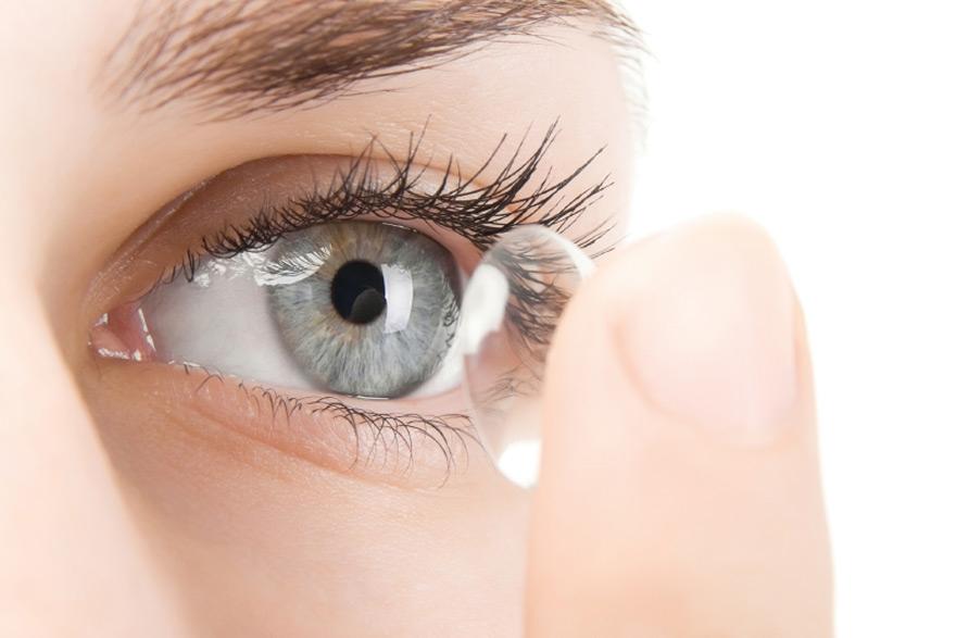 Контактные линзы Акувью идеально гладкие и практически не чувствуются на глазах