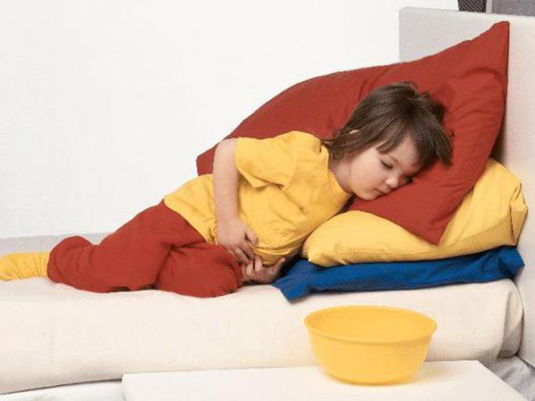 Что делать, если у ребенка 3-х лет болит живот