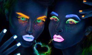 Бесподобные светящиеся линзы для глаз