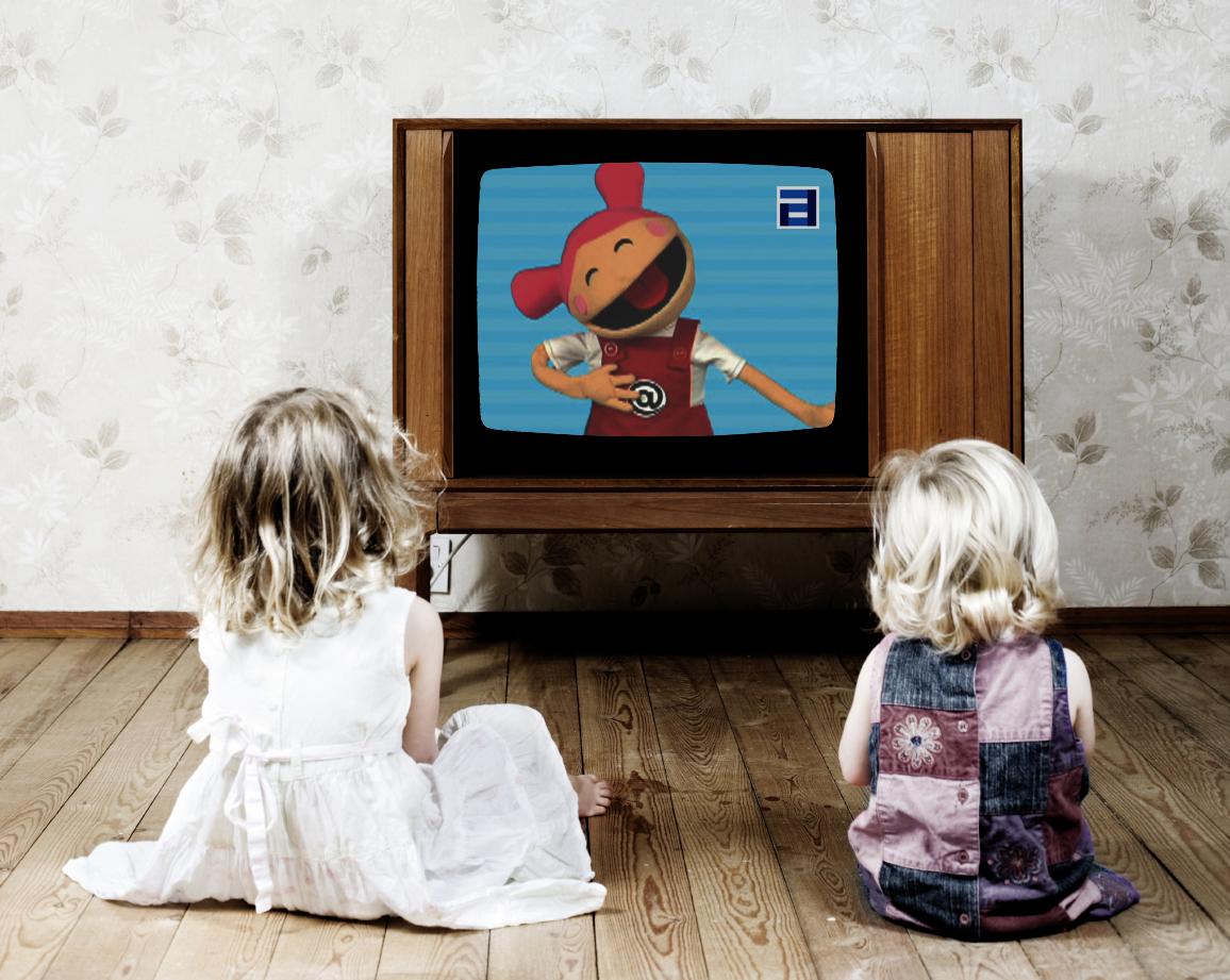 Когда дети смотрят телевизор, их глаза сильно напрягаются