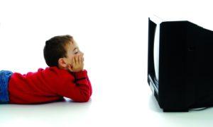 Влияние телевизора и компьютера на глаза ребенка