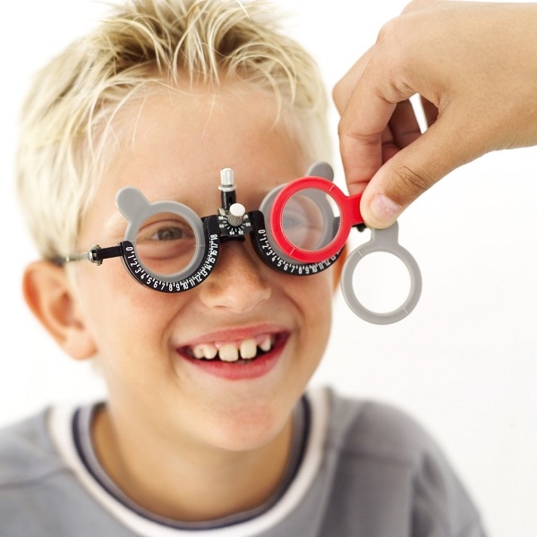 Поочередная проверка глаз