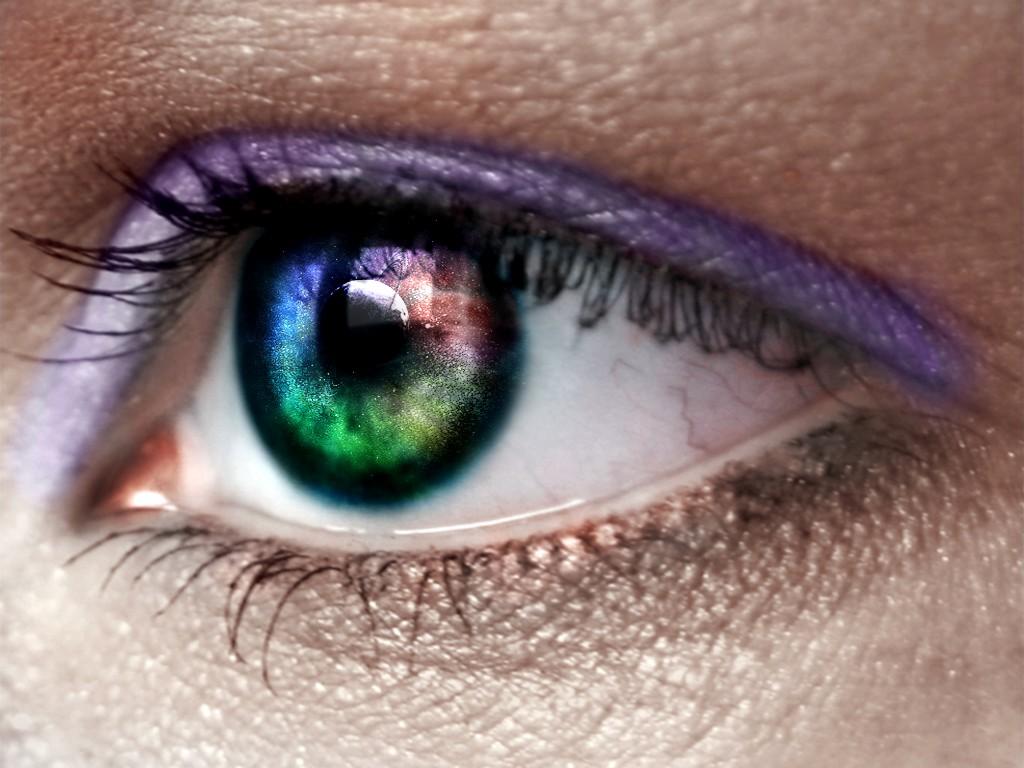 Существуют цветные линзы с диоптриями и без них