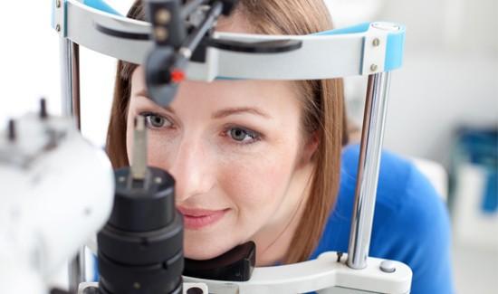 Офтальмолог поможет с выбором линз подходящим именно вам