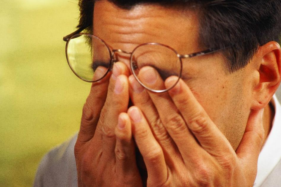 Для упражнений по методу Бейтса очки нужно снимать