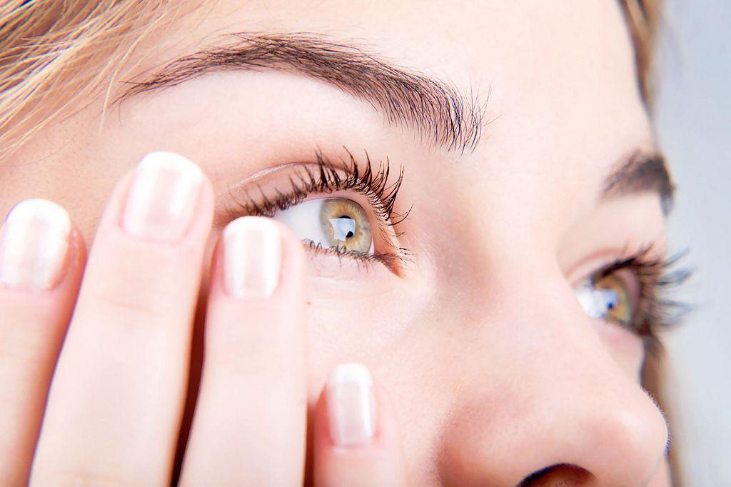 Слезы - это естественное увлажнение глаз