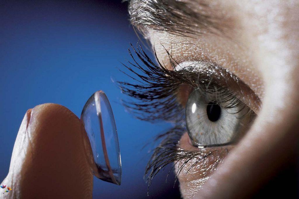 Неправильно подобранные линзы могут вызывать боли в глазах