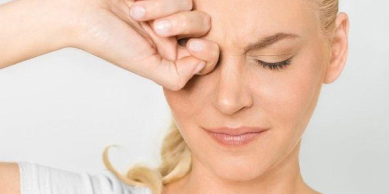 Постоянное напряжение глазных мышц - одна из возможных причин