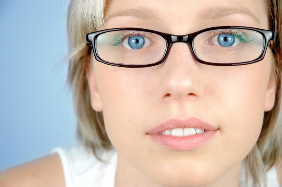 При ношении очков мышцы глаз неминуемо атрофируются