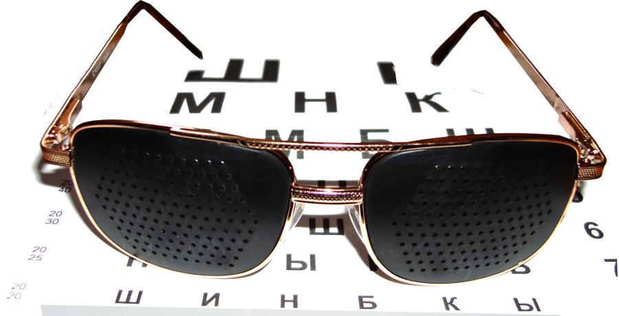 Сочетайте очки-тренажеры с выполнением упражнением для восстановления зрения