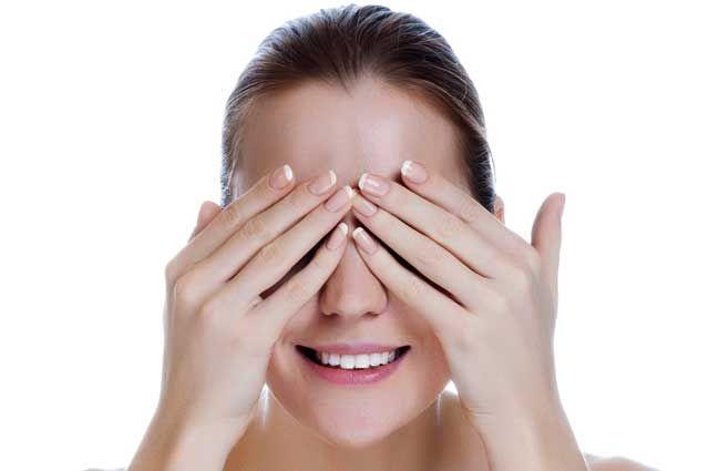 Улучшить зрение поможет массаж для глаз