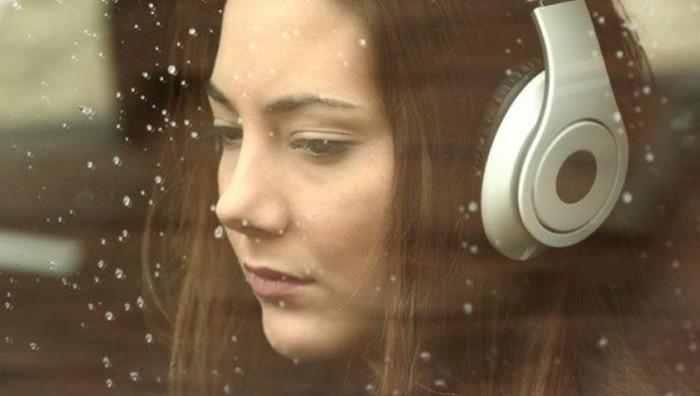 Песни, как и фильмы, способны оказать немалое влияние на внутреннее состояние человека