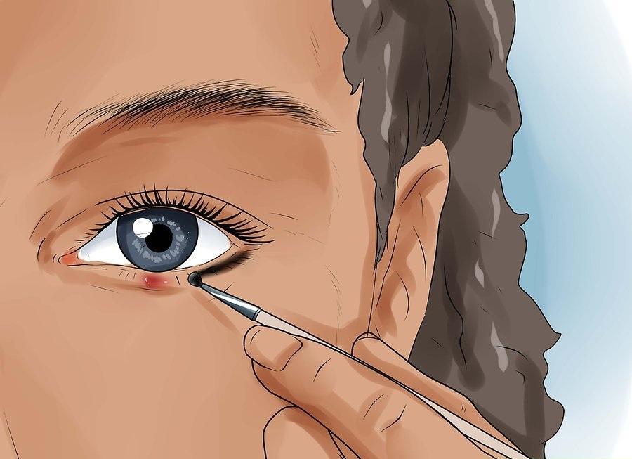 Правильно наносите макияж