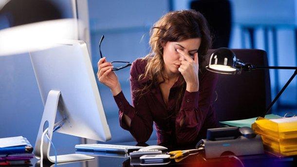 При работе за компьютером регулярно делайте перерывы