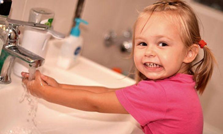 Ребенок должен мыть руки как можно чаще