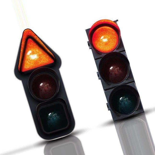 Светофор для дальтоников отличается не только цветом огней, но и их формой