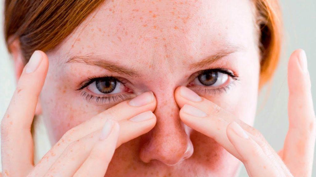 Резь в глазах: причины и лечение