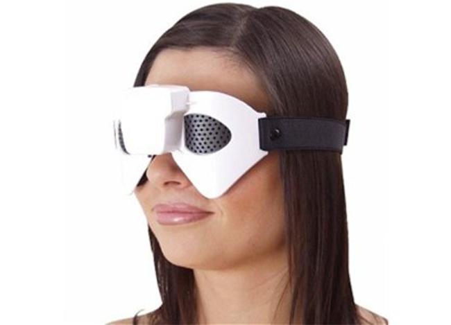 Вакуумный массаж — это воздействие на глаз переменным вакуумом, подаваемым в специальные очки — «минибарокамеры»