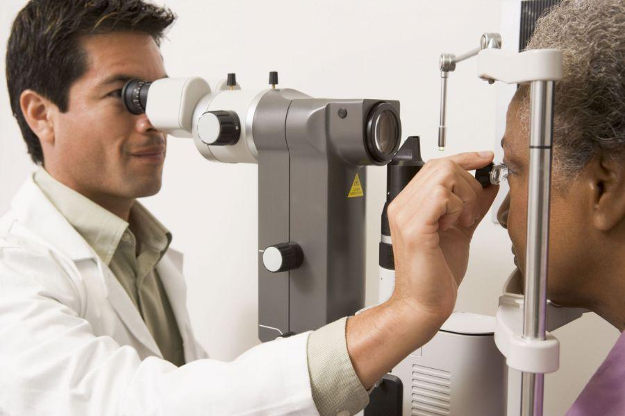 Всех пациентов с признаками мидриаза детально и комплексно обследуют