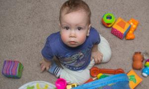 Гноится глаз у новорожденного – чем лечить