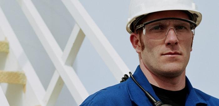 Защитные очки на производстве