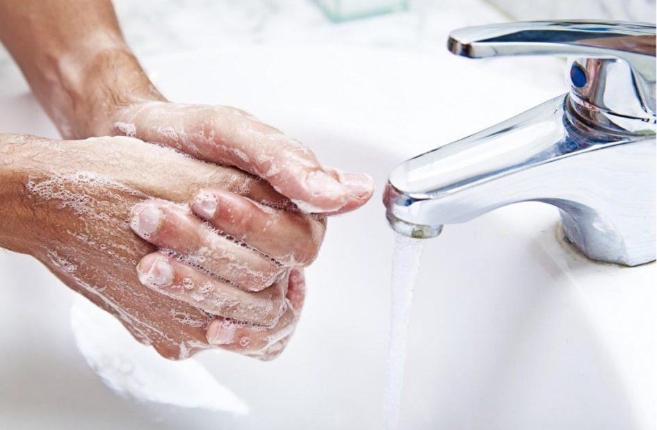Мойте руки после прогулки, еды, любых домашних занятий
