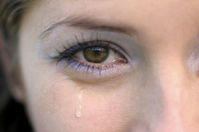 Почему на улице слезятся глаза