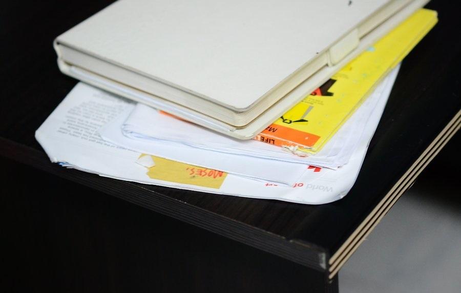 Приобретите подставку для книжек и бумаг