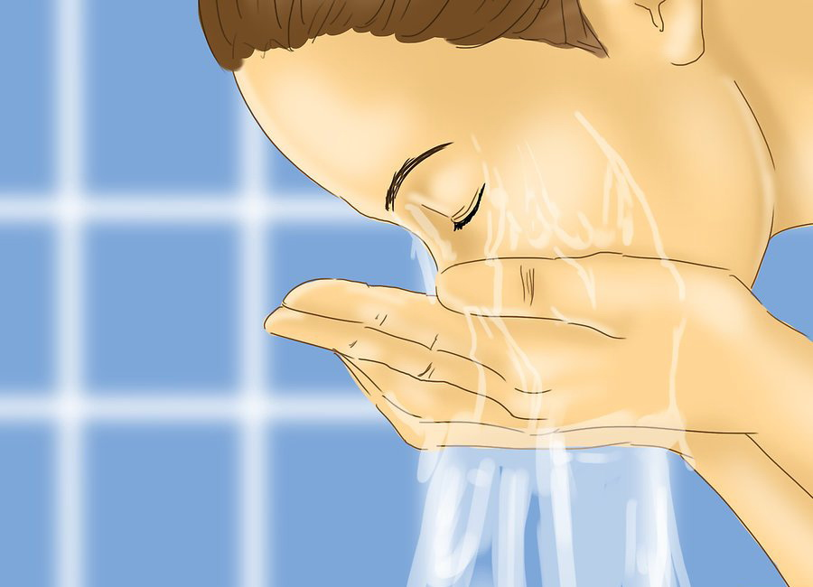 Промывайте глаза чистой водой
