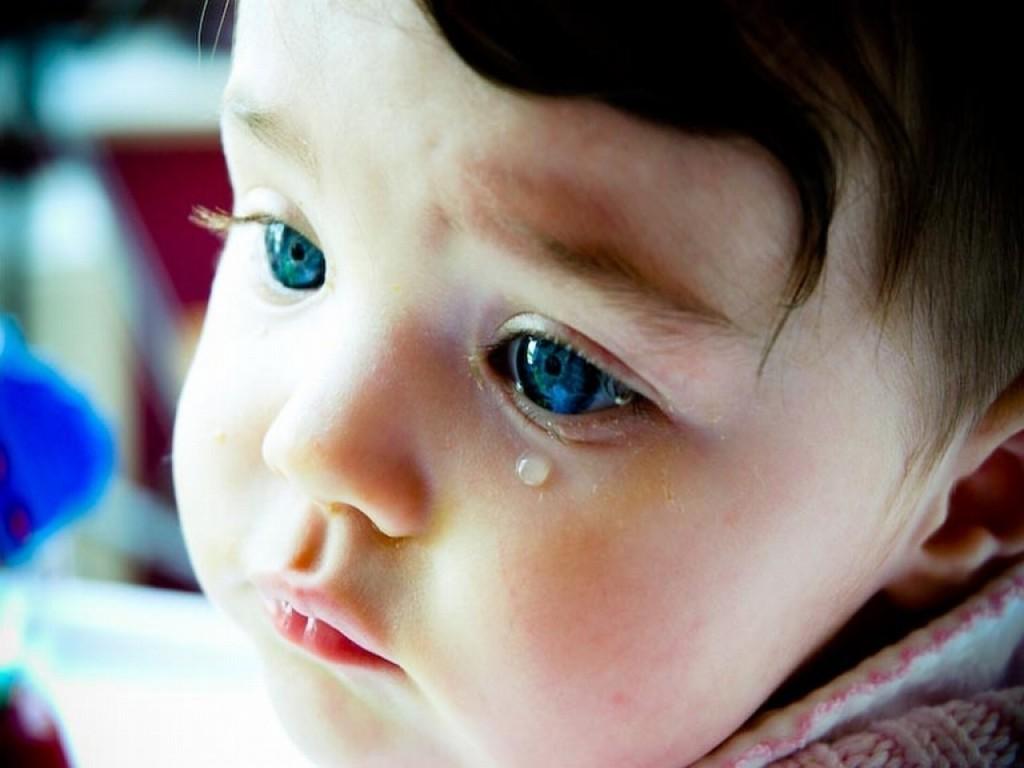 От чего могут слезиться глаза у ребенка грудного thumbnail