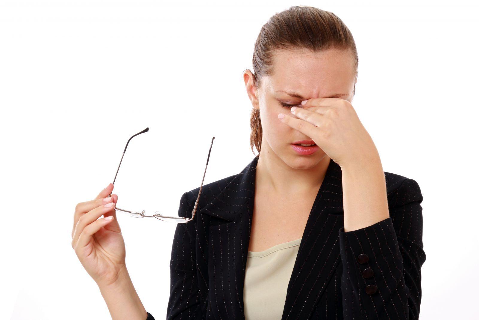 Стрессы могут привести к отклонению глазного давления от нормы