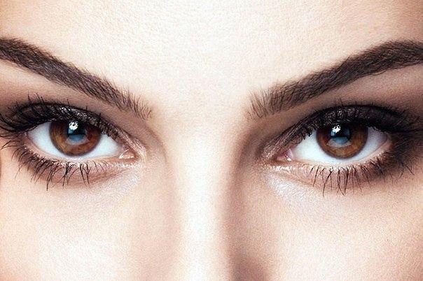 Ученые доказали, что голубой цвет глаз спрятан под коричневым пигментом у кареглазых людей