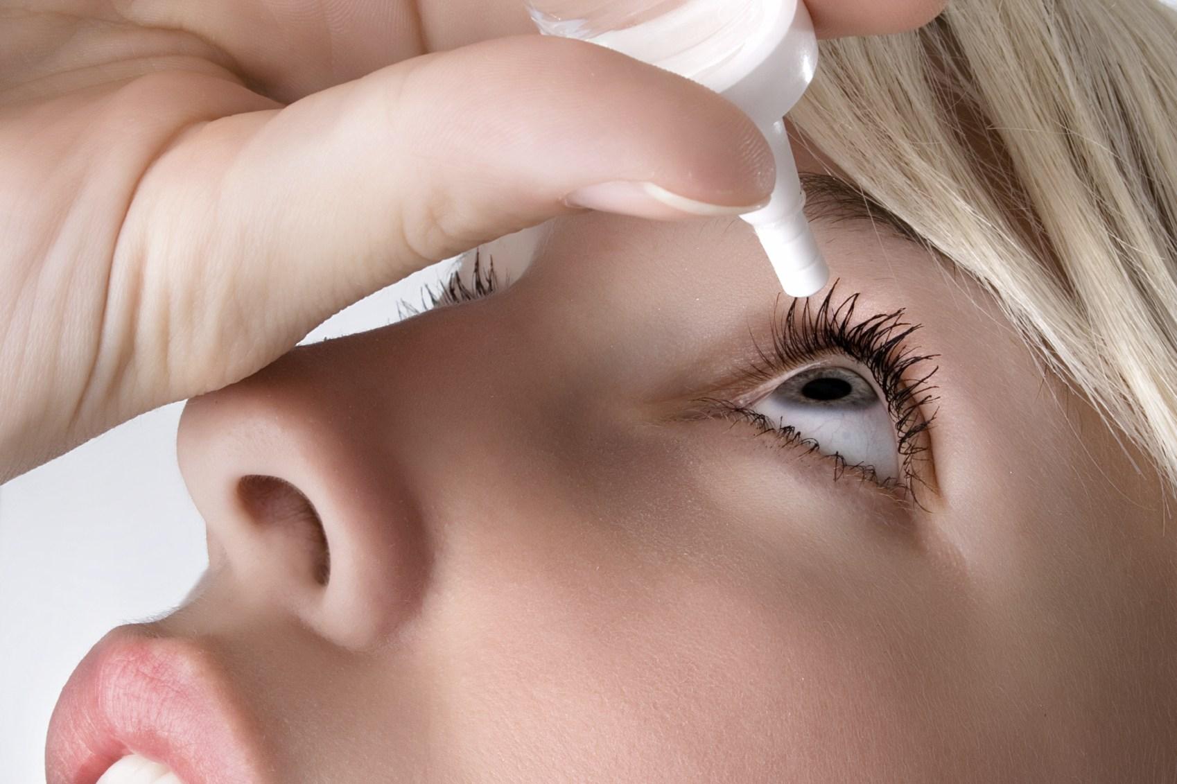 Действующие вещества антигистаминных капель для глаз блокируют высвобождение гистамина, препятствуют его выходу в межклеточное пространство, подавляют активность тучных клеток, участвующих в формировании аллергических реакций