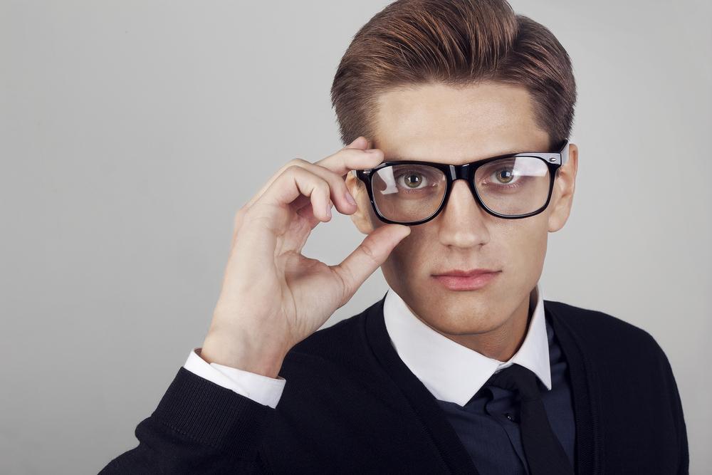 Зрение может корректироваться специальными очками