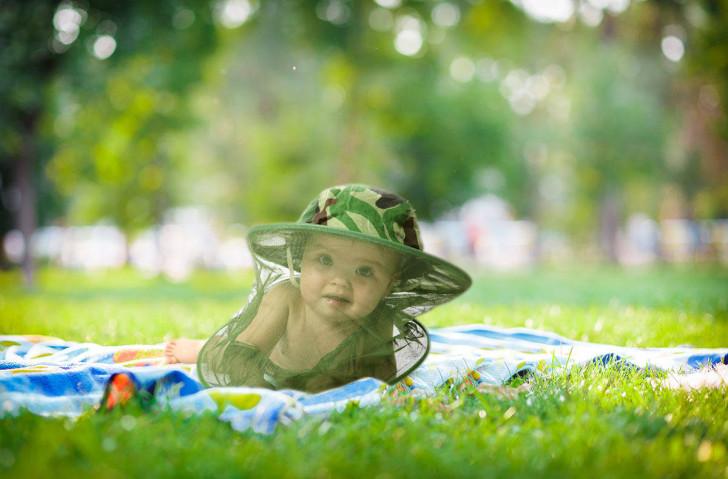 Как защитить ребенка от мошек