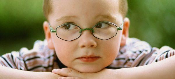 Поставить такой диагноз ребенку порой бывает сложно, поскольку он сам может не замечать отклонений