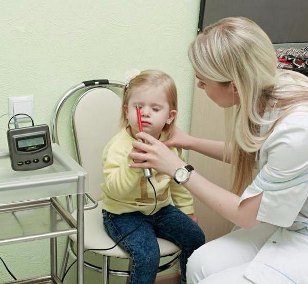 Маленьким детям электростимуляция должна проводиться с особой осторожностью и только при согласии родителей