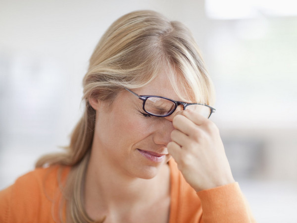 После приема средства возможно временное снижение остроты зрения