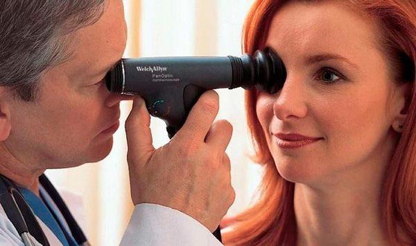 Главный метод диагностики такого недуга - офтальмоскопия