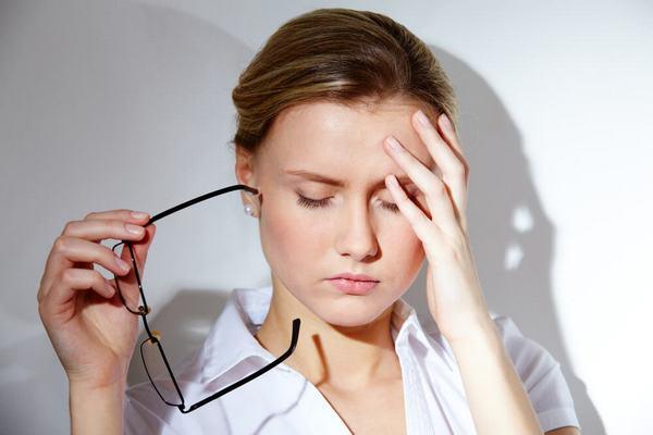 Если человек испытывает дискомфорт, когда носит очки, вполне возможно, что они подобраны неправильно